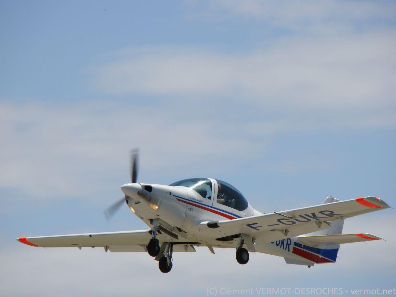 Le Grob 120 au décollage